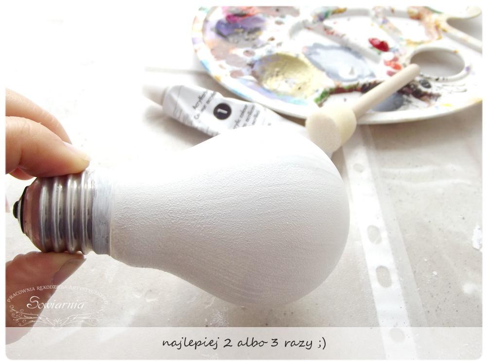 DIY - bałwanek z żarówki