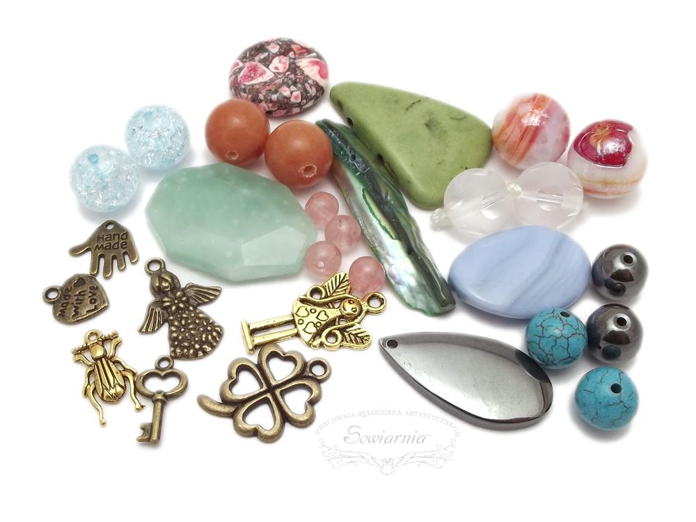 kamienie i koraliki