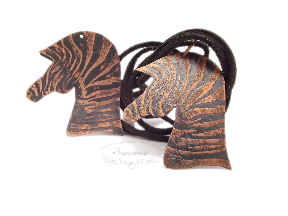 miedziane zebry