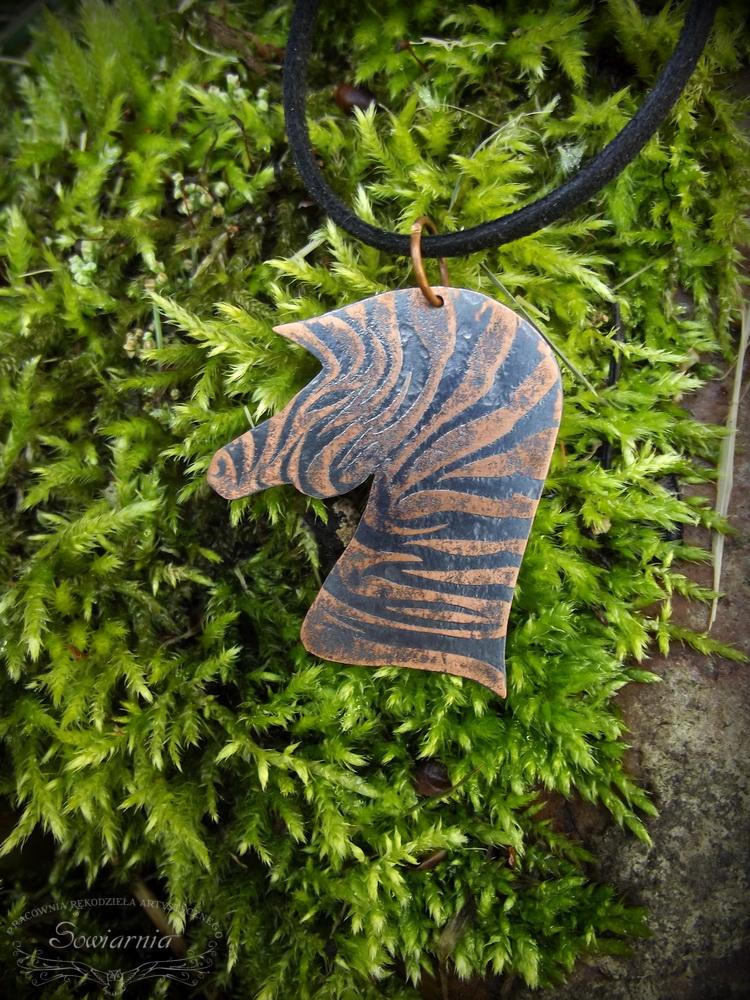 zebra z miedzi