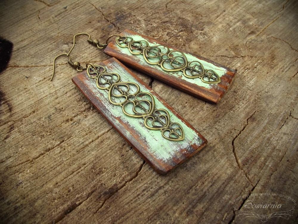 kolczyki z drewna