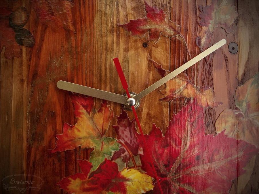 zegar z drewna