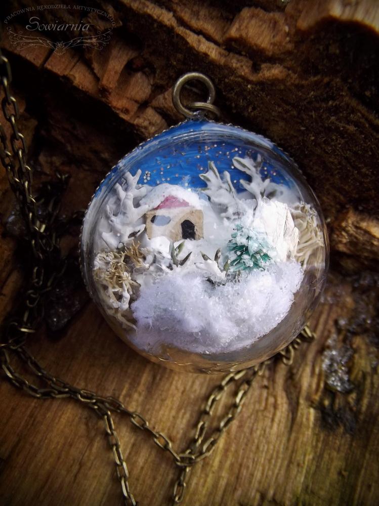 kula z zimowym krajobrazem