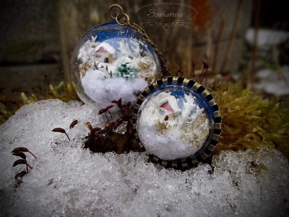 naszyjnik i pierścionek z zimowym krajobrazem