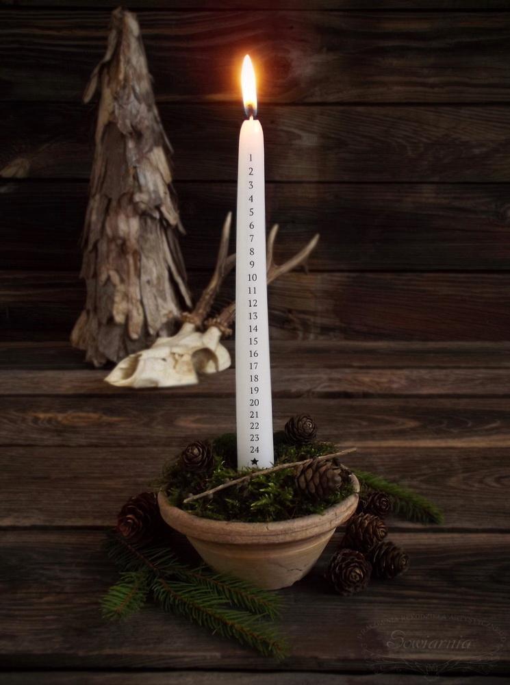 kalendarz adwentowy świeca