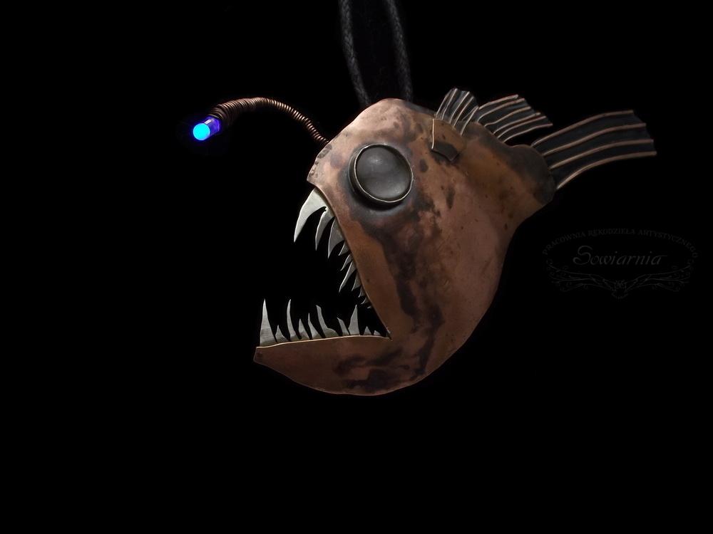 anglerfish wisior