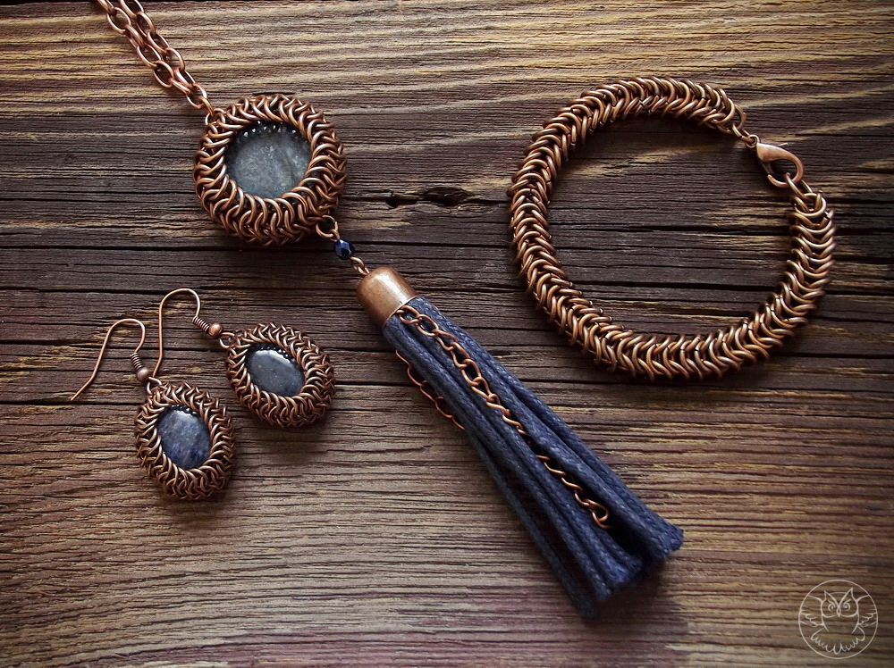 komplet chainmaille: bransoletka, wisior i kolczyki