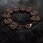 bransoletka z zielonymi perłami