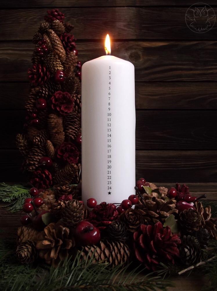 świeca adwentowa kalendarz