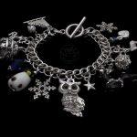 bransoletka z charmsami