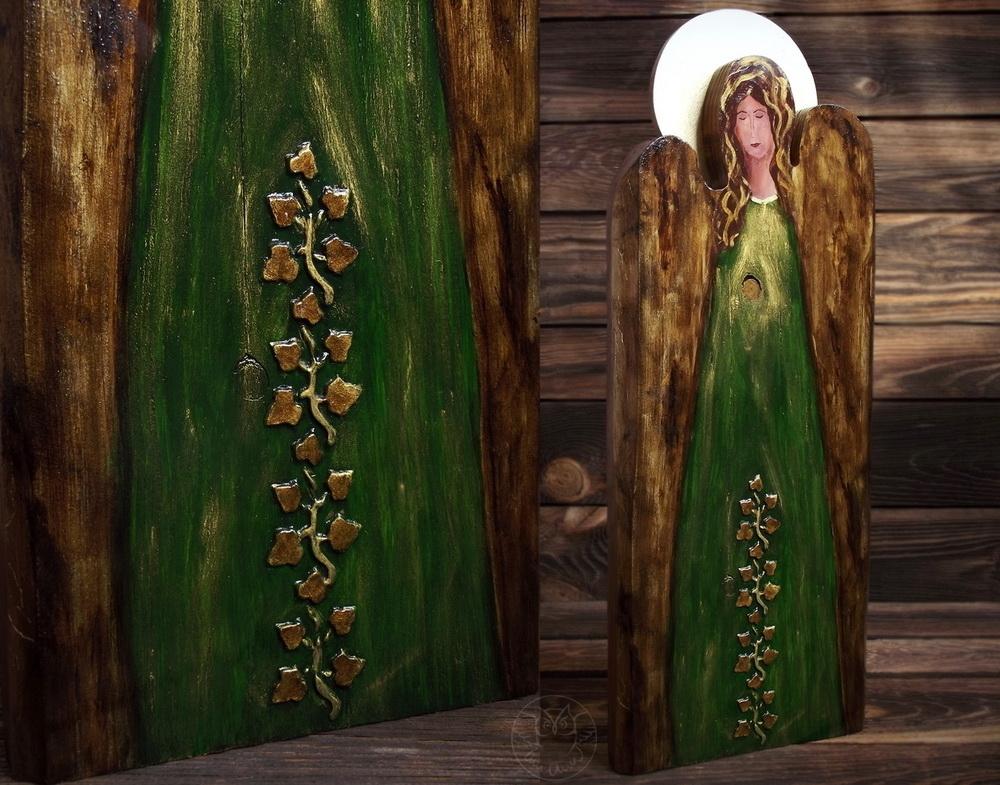 drewniany anioł ręcznie malowany