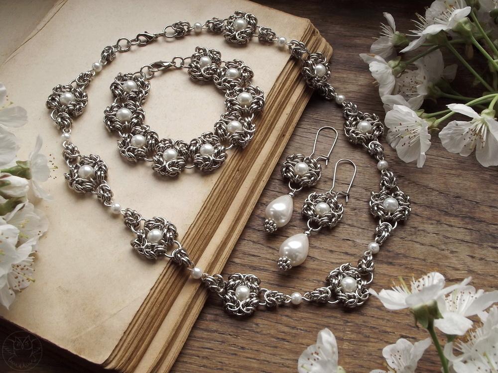 elegancki komplet ślubny z perłami