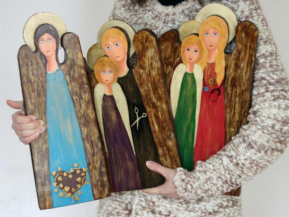 drewniane anioły ręcznie malowane