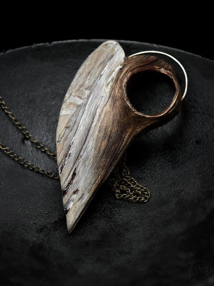 wisior anioł z drewna