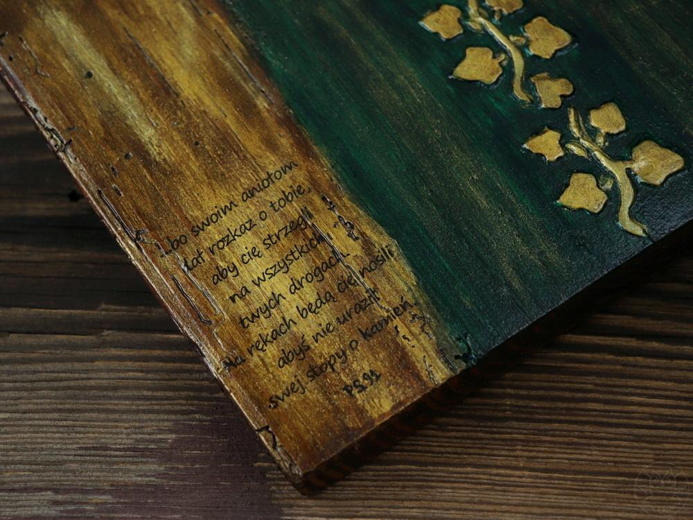 drewniany anioł dla księdza