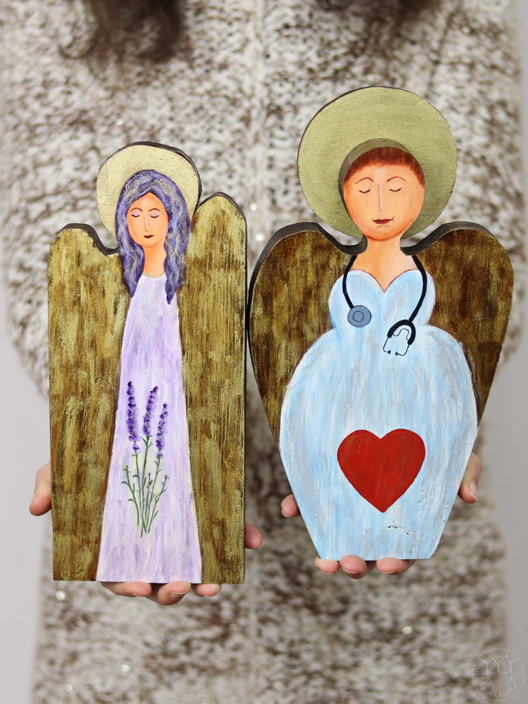 drewniane aniołki ręcznie malowane