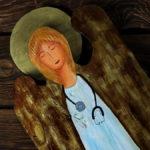 lekarski anioł ze stetoskopem