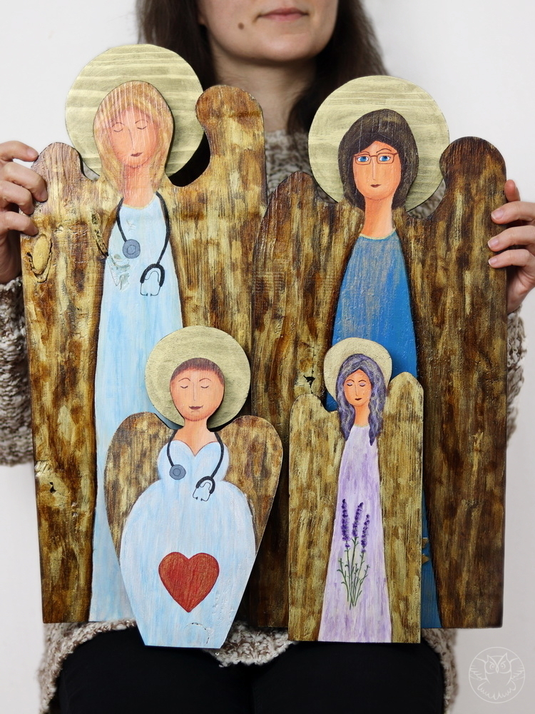 personalizowane anioły ze starych desek